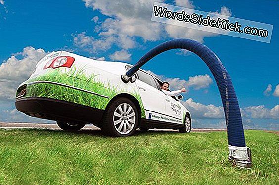 Groene Benzine Komt Dichterbij Bij Het Tanken Van Uw Auto