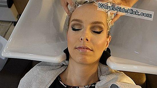 Een Chiropractor Heeft Haar Nek Aangepast. Toen Begonnen De Vision-Problemen Van Deze Vrouw